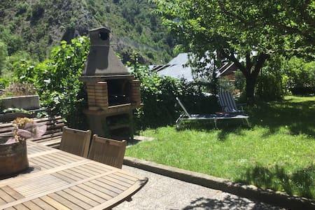 Loft acogedora casa entorno natural - Aixovall - Loft