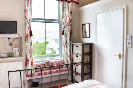 Claife Heights: Sunny with fab view