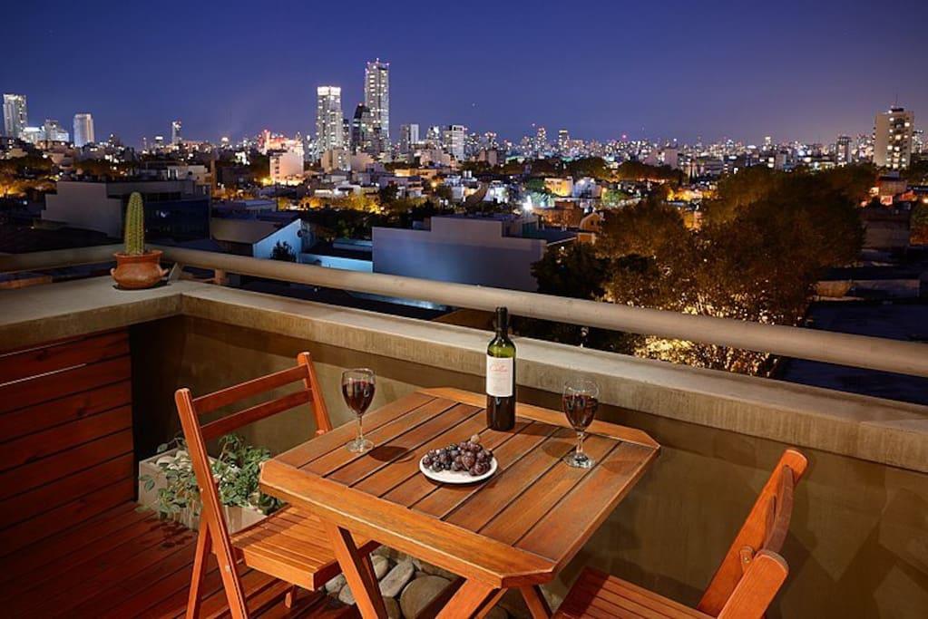 downstair´s balcony at night