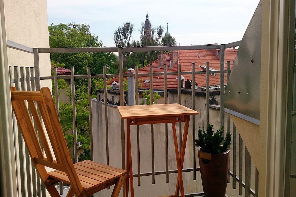 Bright and airy studio apt. with balcony, 5 minute walking from the Main Square