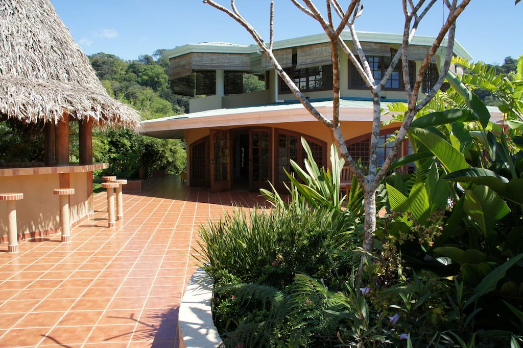 Rain forest villa near Dominical
