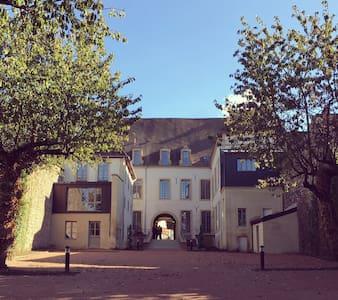 Studio confort et charme Autun plein-centre - Autun