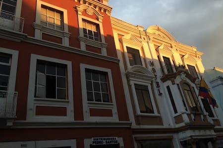 Departamento Centro Histórico de la ciudad Cuenca - Cuenca - Apartamento