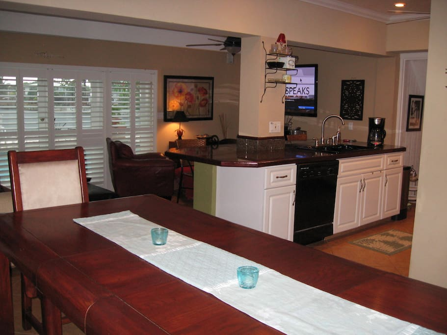 Beautifully Updated Kitchen & Roomy Dining Room