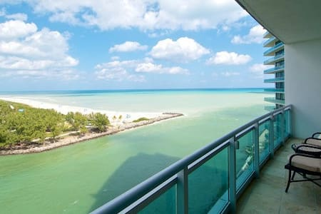 Ritz-Carlton Bal Harbour 2 Bed - Bal Harbour - アパート