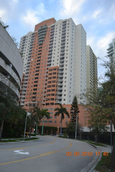 THE FORTUNE HOUSE AT BRICKELL