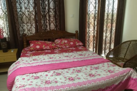 Rooms available - Rumah
