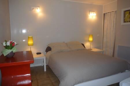 Independant apartment in villa