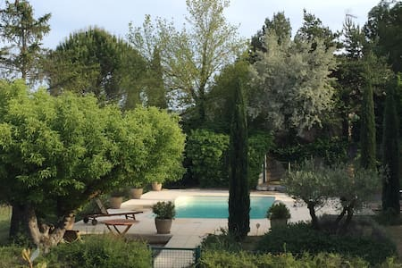 Nice house with pool in Luberon - House