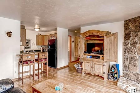 Condo in the heart of Steamboat - Steamboat Springs - Condominium