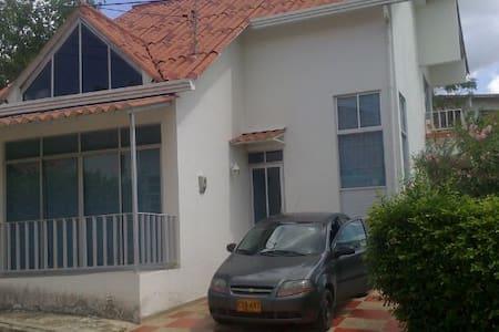Casa-Condominido Villa María - Ház