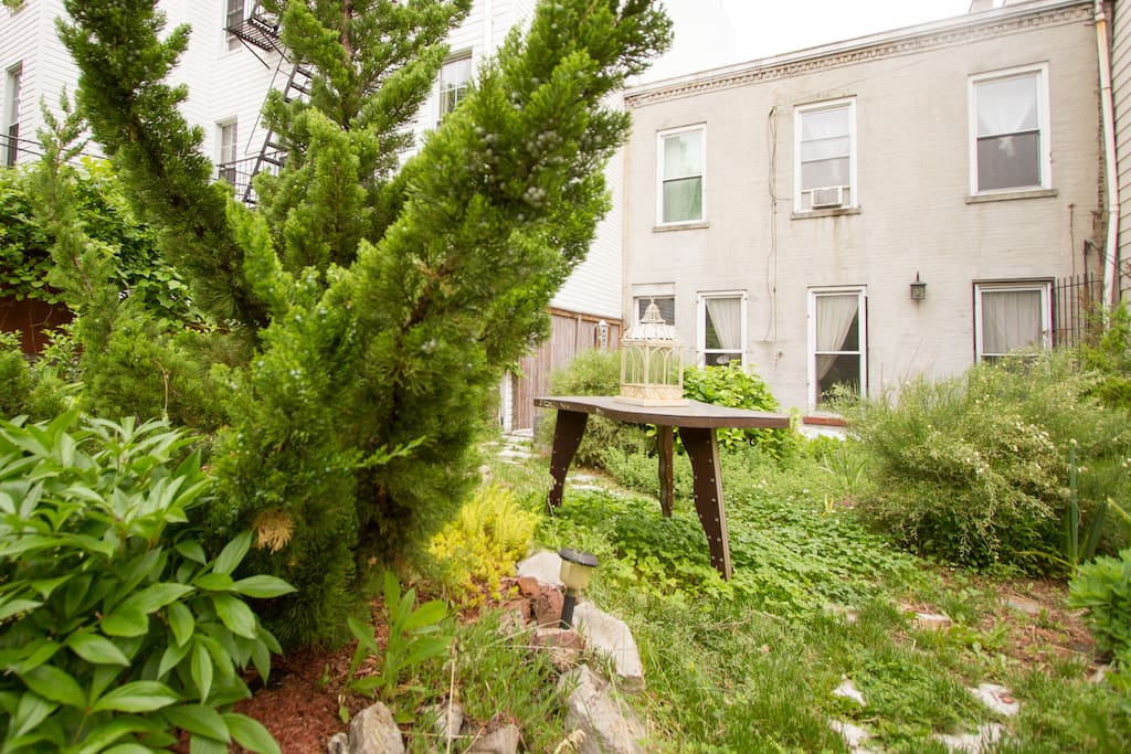 Enjoy the peace of our garden: a rarity in NYC!