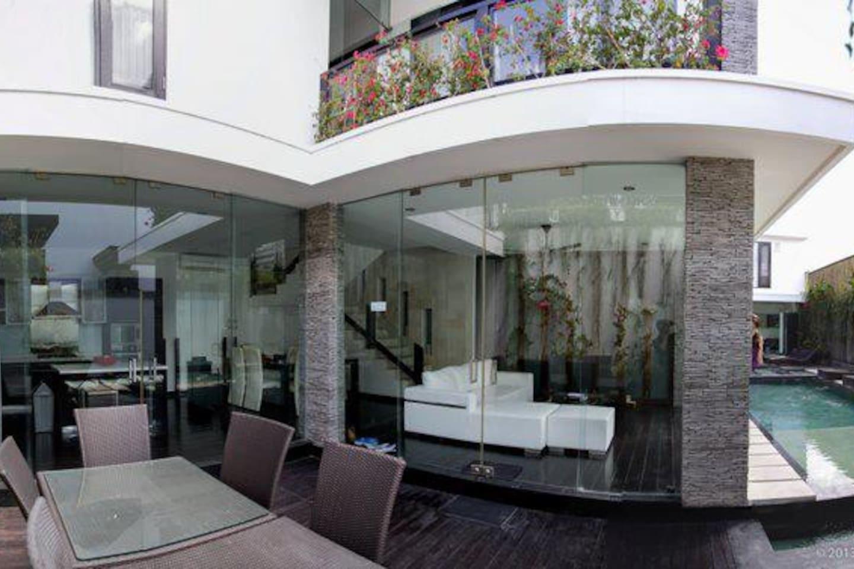 Seminyak 2-7BR NEW Modern Villa