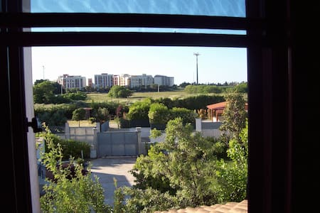 casa con giardino zona aereoporto - Haus