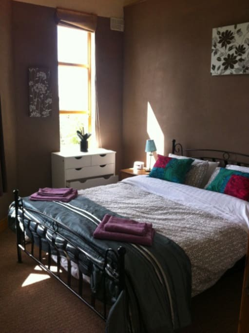 King size bed with loads of storage space