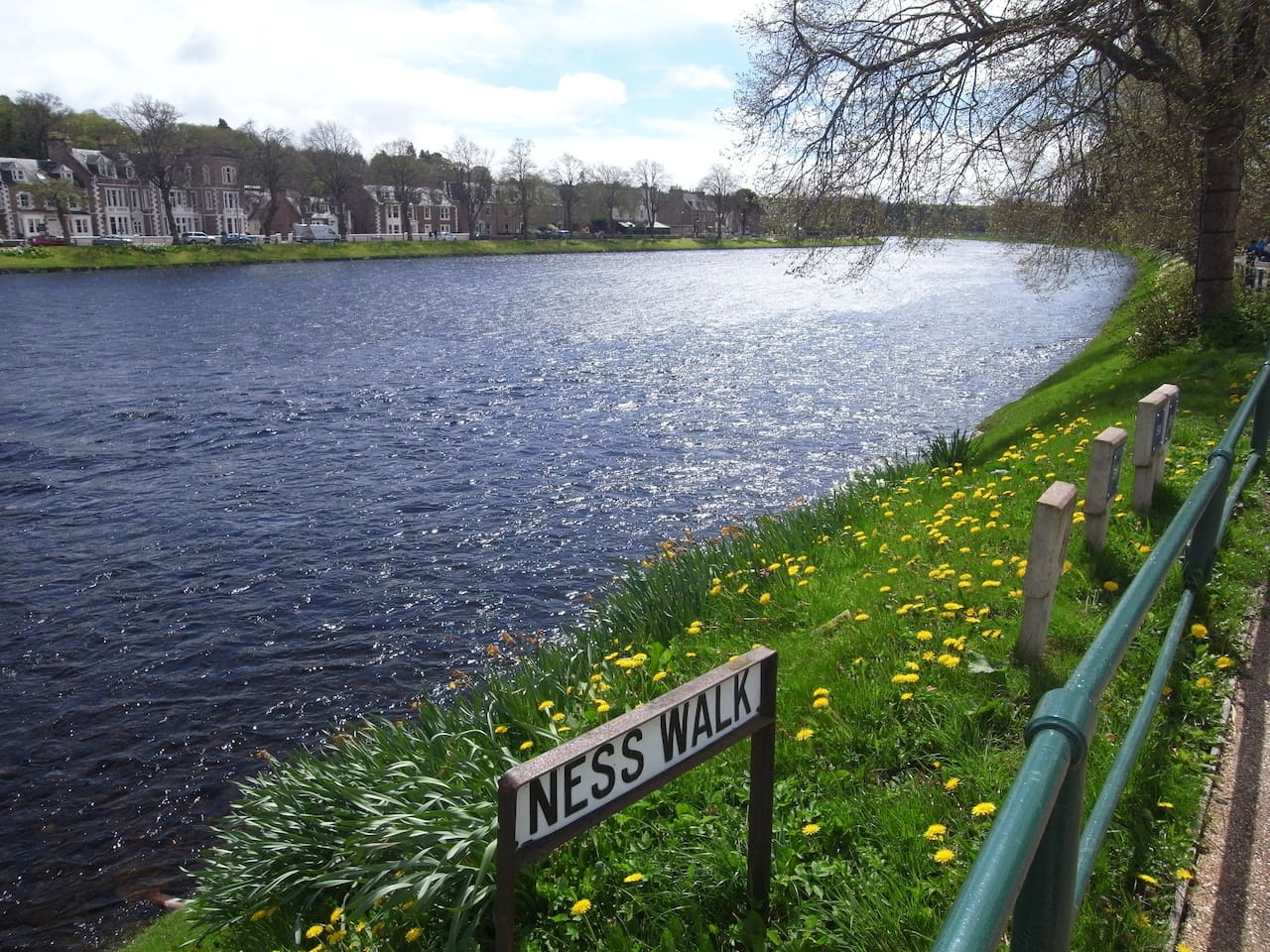 5 min walk from apartment, River Ness