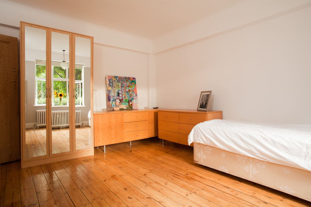 FAB CHISWICK ROOM/ FLAT@West London
