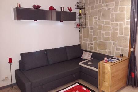 appartement en moyenne montagne - Hotonnes - Wohnung