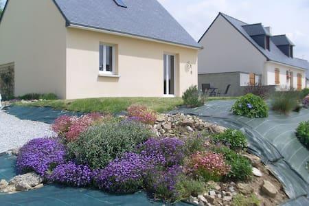 La Petite Maison, St Guen, Brittany - Ev