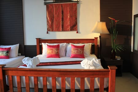 Old Style - Phuket - Bed & Breakfast