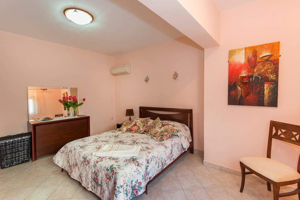 Spacious city apartment! In Rhodes