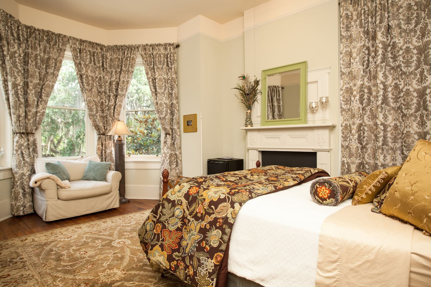 Our traditional guest room on the 2nd floor facing Forsyth Park.