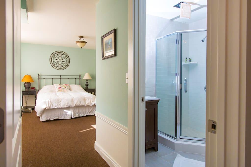 Full Bath in bedroom