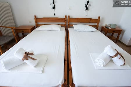 MIRSINI Beautiful Rooms in Crete 2 - Agios Nikolaos - Bed & Breakfast