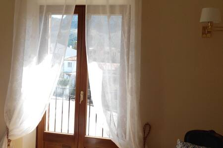 Room with shared bathroom and toilets - Illes Balears