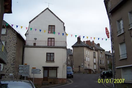4 storey town house - Rivitalo