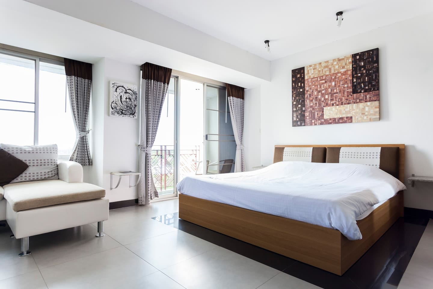Apartments Galare Thong Tower - Standard B 6 Room (10th Floor)