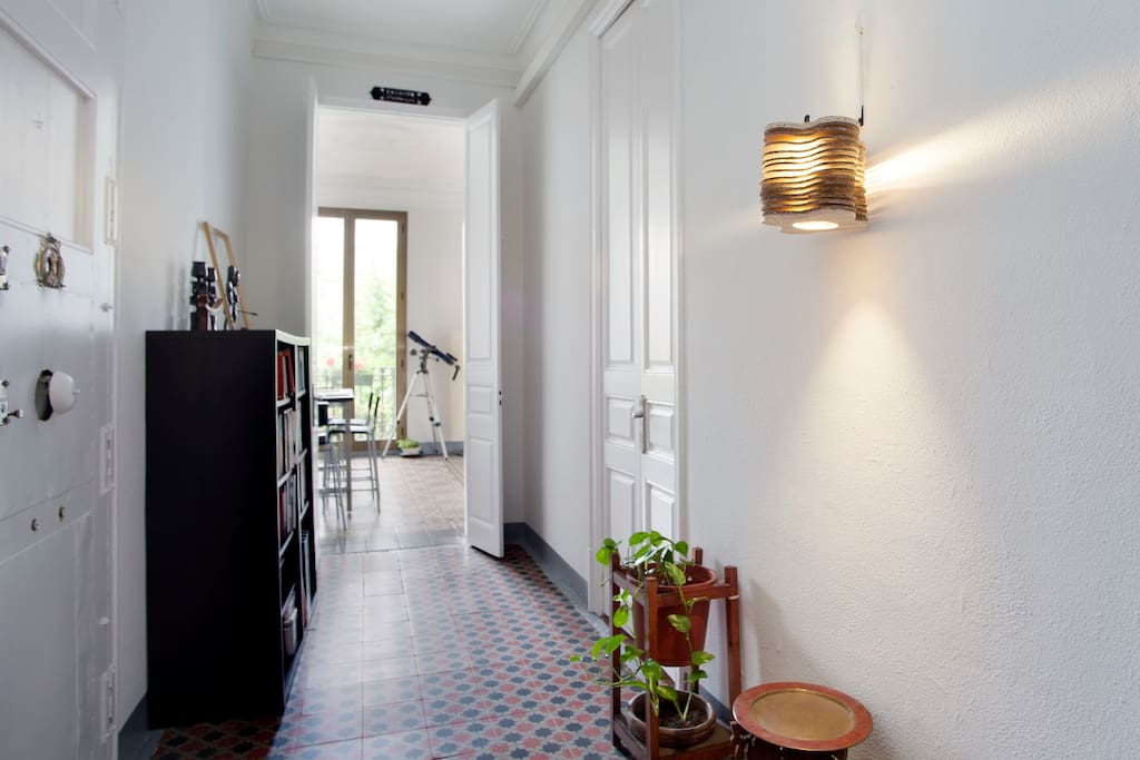 Double Room in sunny center of BCN