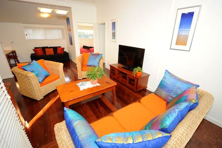 Trigg Beach Cottage - cute, comfy  - Casa