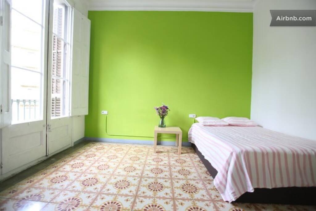 Private room with balcony, Ramblas*