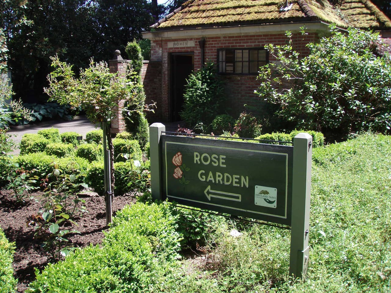 We are located just around the corner from the world famous Portland Rose Gardens!