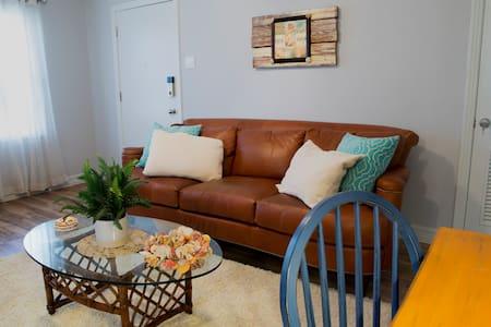 Charming Private Apartment - Palm Breeze 2 - Galveston - Apartment