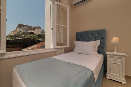 Volanakis, Neoclassical studio under Acropolis - Athina - Appartement