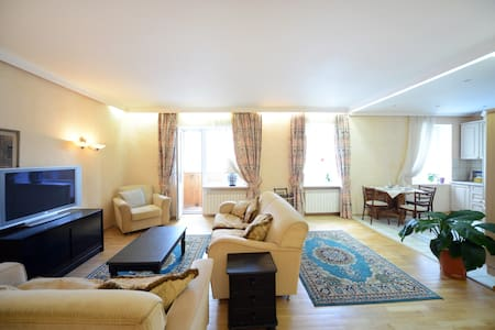 Khreschatyk. European Square-studio - Apartment