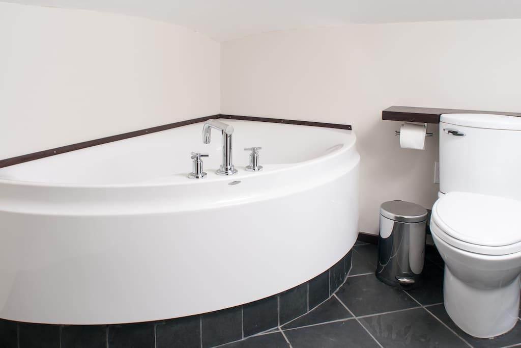 Hoest design german soaking tub