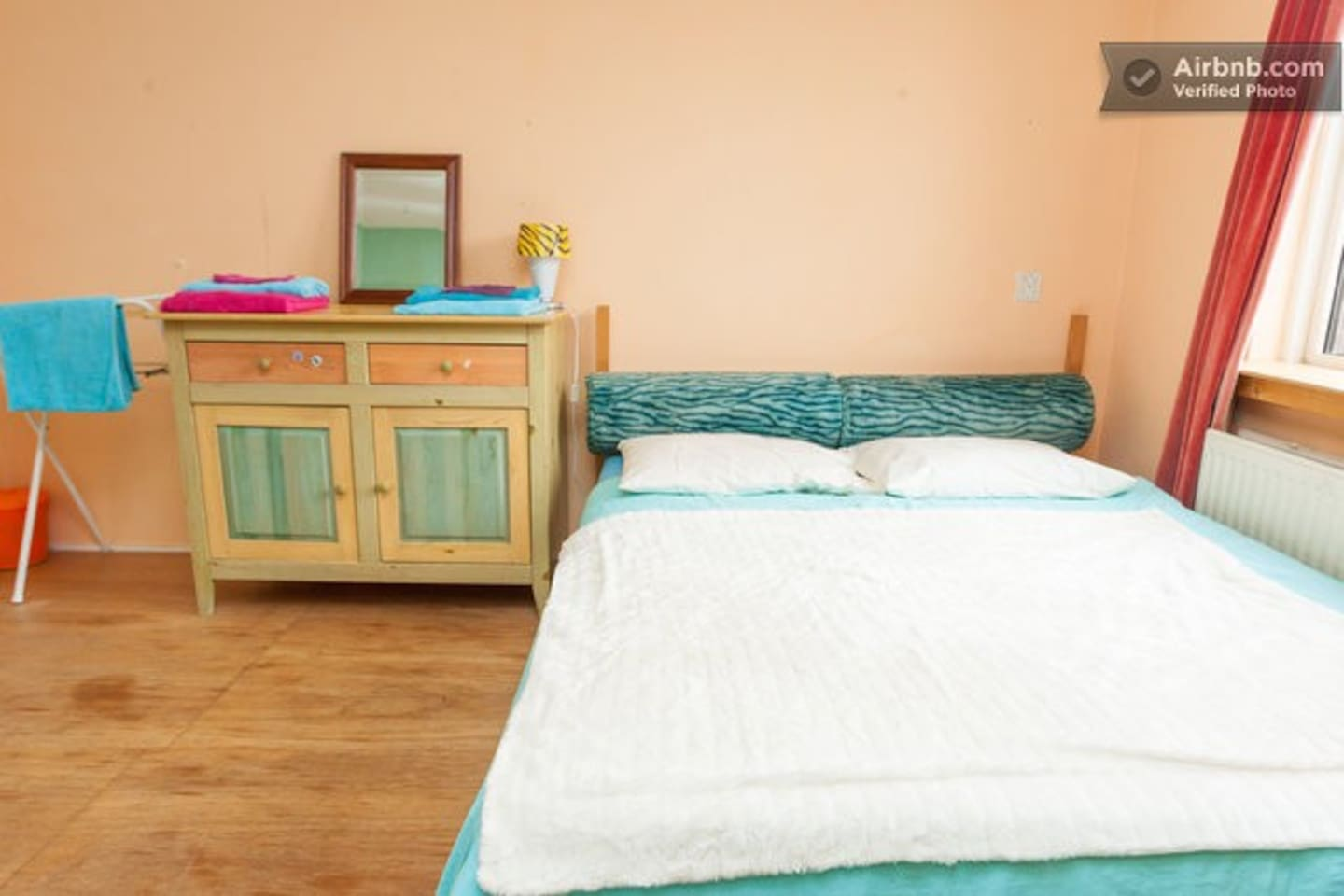 Peacefull & clean room- lively area