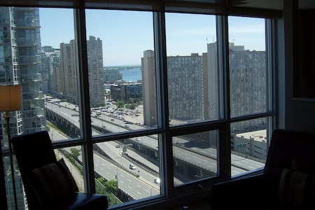FULLY FURNISHED 1BED in Toronto - Toronto - Appartement