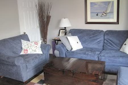 Beacon Hill One Bed w AC