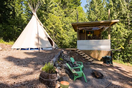 Glamping in the Columbia Gorge