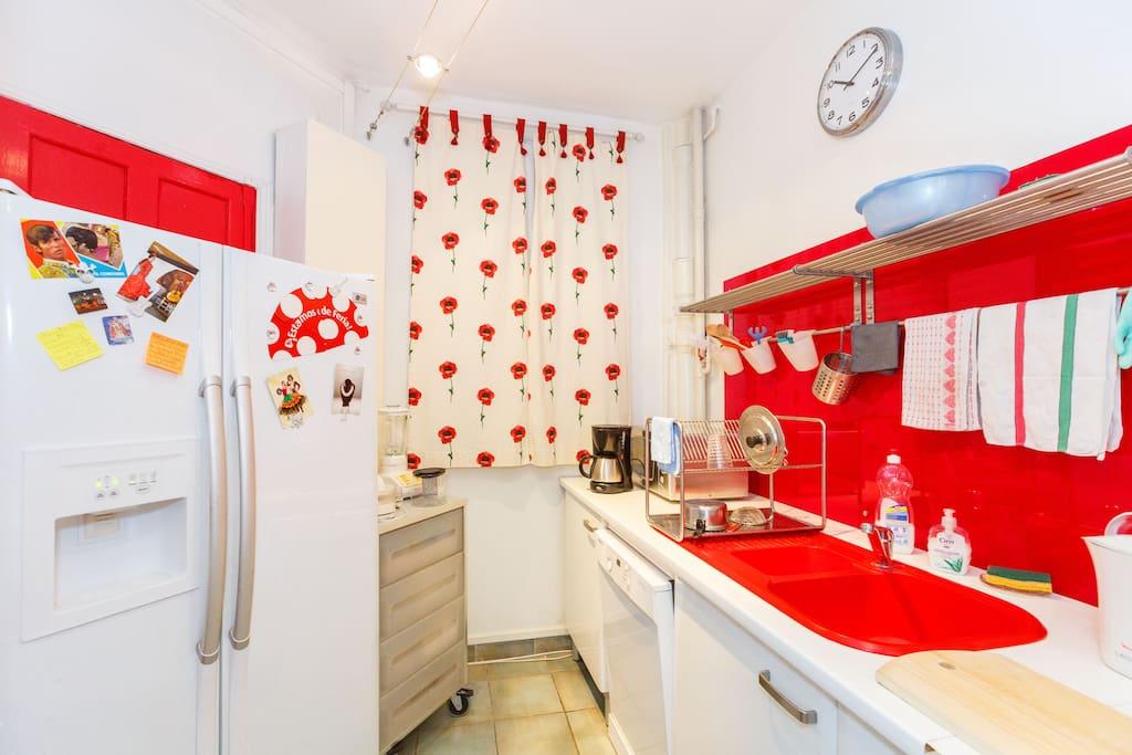 Appartement 75018 au style art d co appartements louer paris - Vrai frigo americain ...