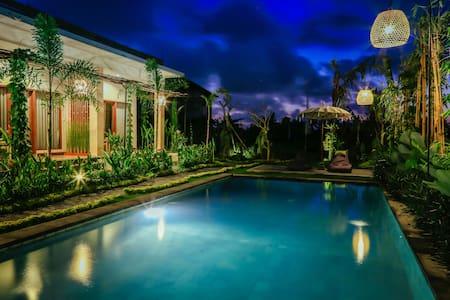 THE MOKSHA UBUD - 1 BEDROOM POOL VIEW VILLA # 1 - Ubud - Villa