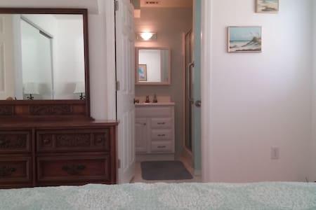 Apartment in Gulf Breeze, FL 2BR - Gulf Breeze - Apartment