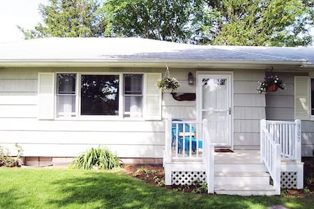 Charming Country Retreat 3BD in Amagansett Town - Huis