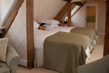 Seymour House  B&B - Long Room - Chipping Campden