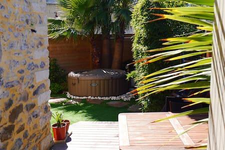 Maison village proche Montpellier - Talo
