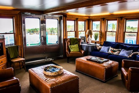 Charming Riverboat with Best View! - Boat